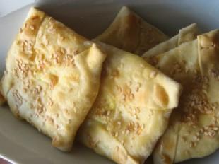 クレタ島で食べられるチーズパイ