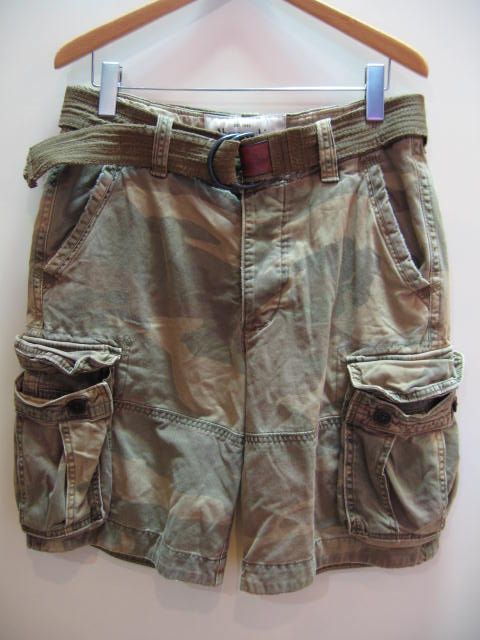 ABERCRONBIE & FITCH MENS CAMO SHORTS