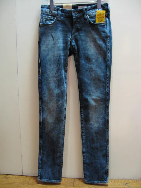 H&M LOW WAIST SLIM LEG JEANS