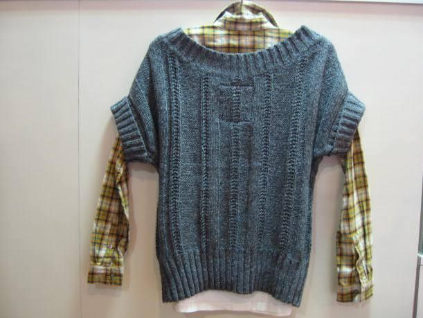 HOLLISTER セーター