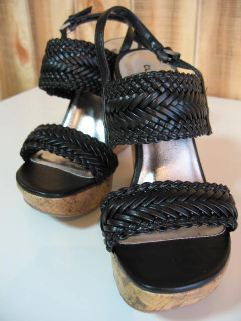 CLASSIFIED ISABIS WEDGES BLACK SIZE 6