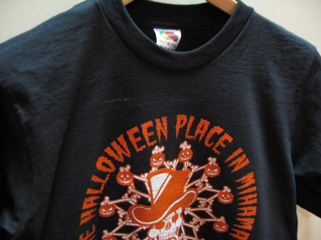 THE HALLOWEEN PLACE IN MIHAMA Tシャツ