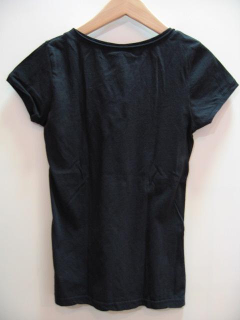 H&M ディバイデッド VネックTシャツ
