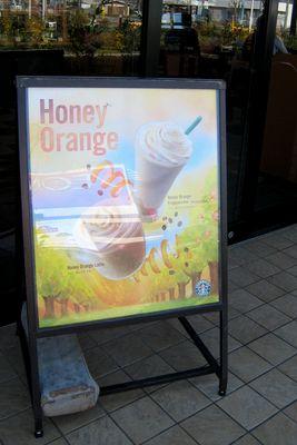 スターバックス--ハニーオレンジフラペチーノ/ハニーオレンジラテ。