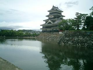 松本城 池掘り