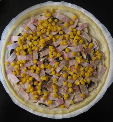 マッシュルームたっぷりピザ