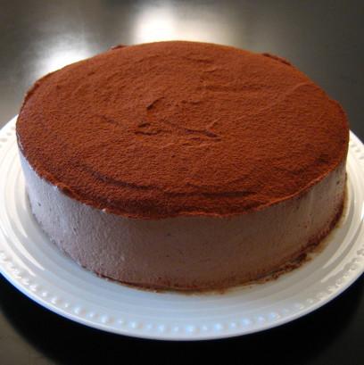 黒いデコレーションケーキ