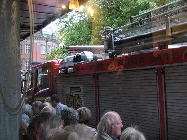 イギリス fire engine 2