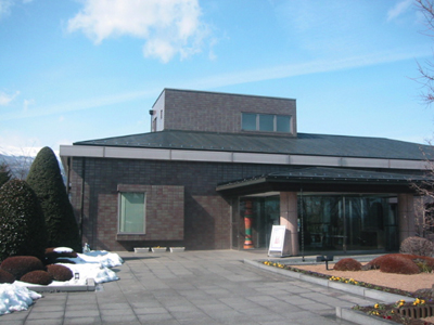 原郷のこけし群 西田記念館