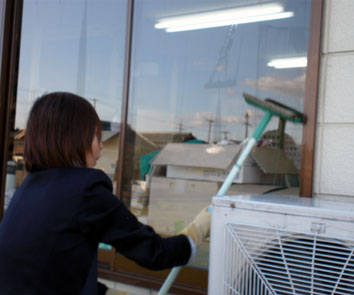 窓の掃除2