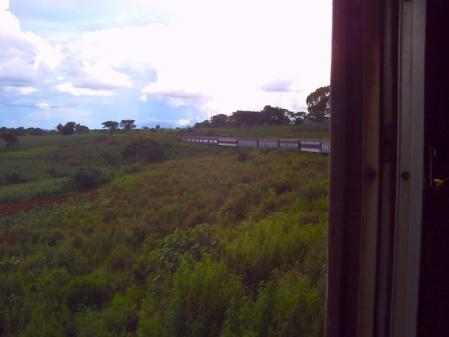 タンザン列車の窓から