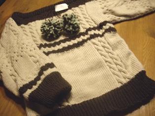 機械編みのセーター