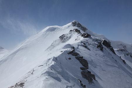 唐松岳頂上山荘手前の稜線