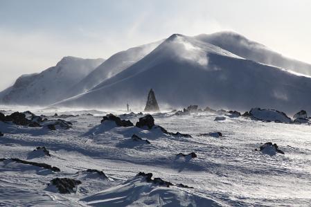 凍てつく白馬乗鞍岳山頂と小蓮華