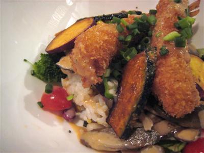 25種のサラダ丼(車海老のフライ)