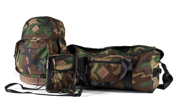111huf_camo_bag_set_spr12_group_999.jpg
