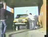 洗車中にホースが制御不能になる事故