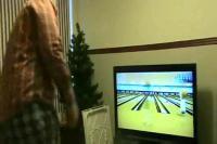 任天堂Wiiスポーツのボウリングで液晶テレビ破壊の瞬間