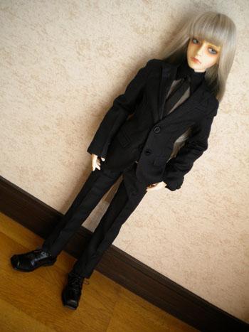 スーツ竜美