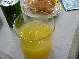 「スクリュードライバー」福岡国際空港 ANAラウンジ