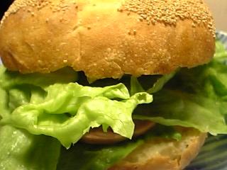 「試作品のパンでカイザーサンド」糸島手造りハム(前原市)