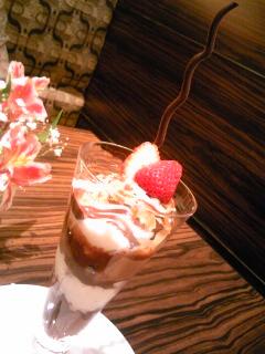 「チョコレートパフェ」カフェ モロゾフ