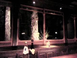 「窓の外の風景」BAR BAROLO(由布院)