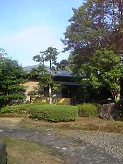 「綾陽亭」(宮崎県綾町)の庭