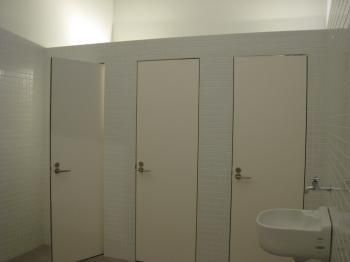 十和田美術館 トイレの中