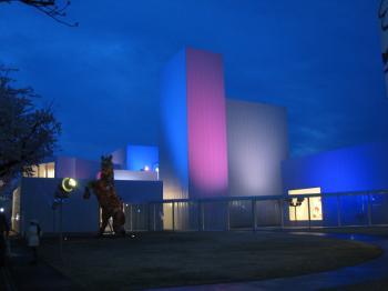 夜の十和田美術館