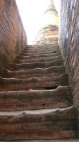 ワットチャイモンコン 佛塔の階段