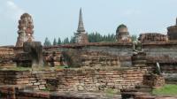 ワットマハタート 破壊された佛像