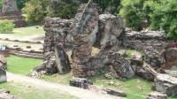 ワットプラシーサンペット 原形を失った建造物