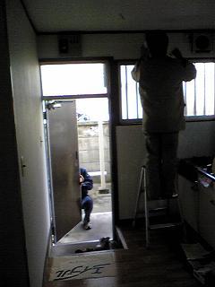 この前にヤマトさんが冷蔵庫を運んでくれました