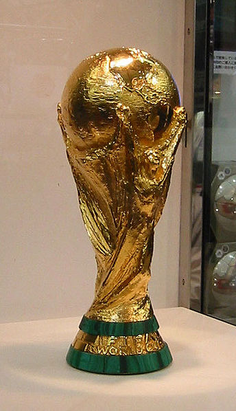 344px-FIFA_World_Cup_Trophy_2002_0103_-_CROPPED-.jpg