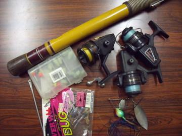 壊れて使えない釣り道具・・・残ったのはこれだけ!