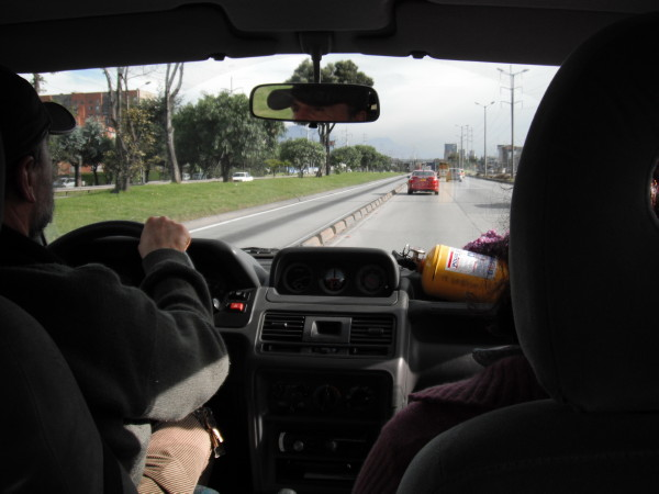 20110417_02a_Bogota_with_David_and_his_parents.jpg