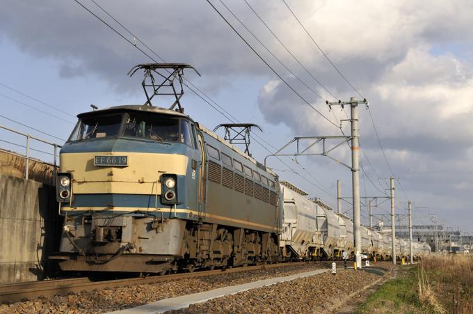 5767レ EF66-19号機