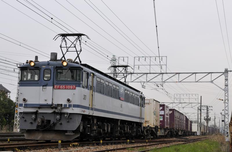 1653レ EF65-1097号機