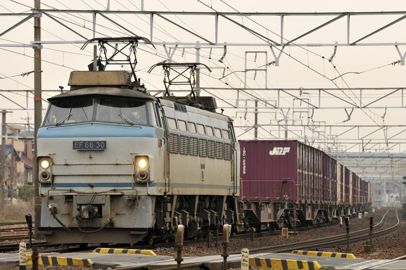 2095レ EF66-30号機