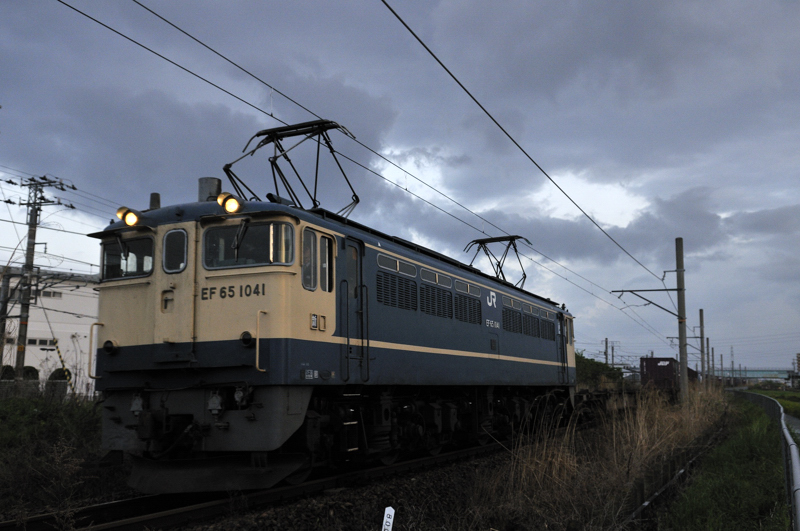 4084レ EF65-1041号機