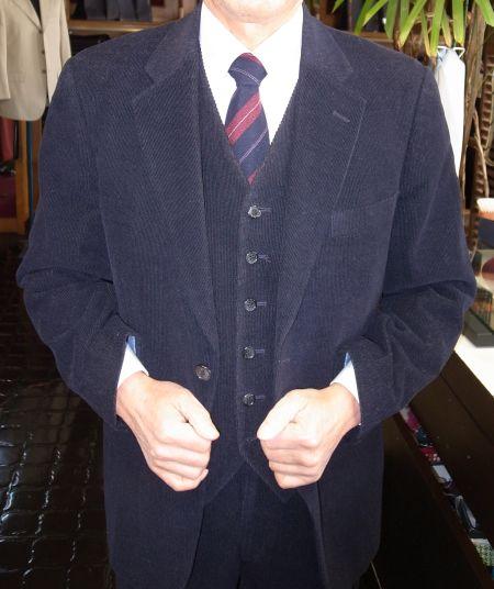 コーデュロイのスリーピーススーツ