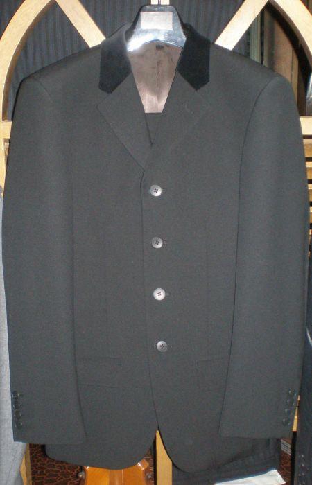 4ツ釦のオーダースーツ