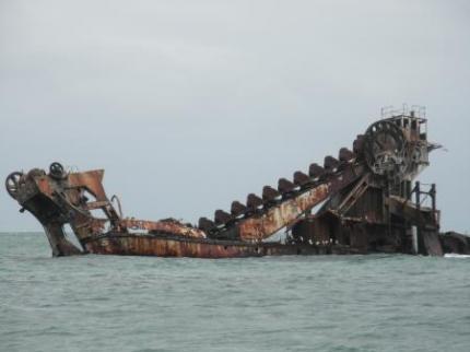 船の残骸2