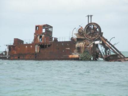 船の残骸4