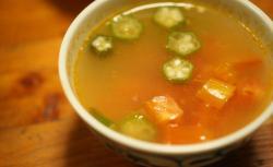bトマトスープ