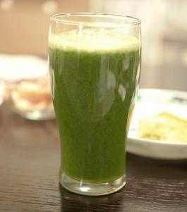 a6小松菜のジュース・グラス
