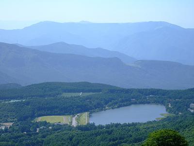 ゴンドラ山頂駅の展望台から見た女神湖