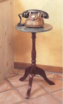 天然大理石のサイドテーブル