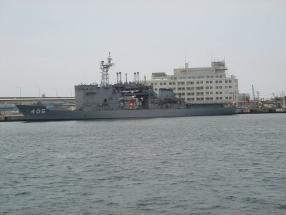 海上自衛隊潜水艦救難母艦 ちよだ (AS-405)